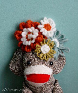 Sock_monkey_flowers