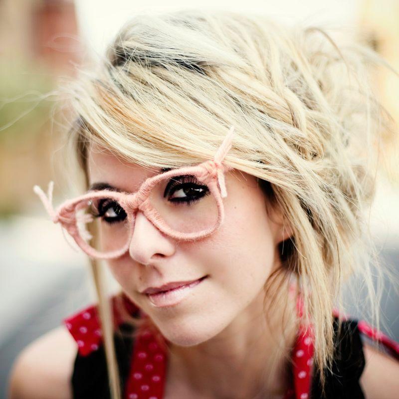 Pinkglasses_model