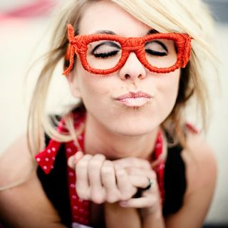 Redglasses_model2