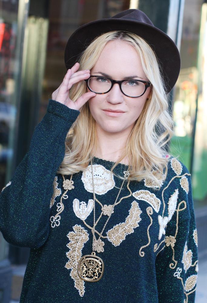 Emmawearsglasses
